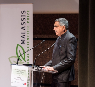 Prof Zeyaur Khan has won the prestigious Louis Malassis Prize